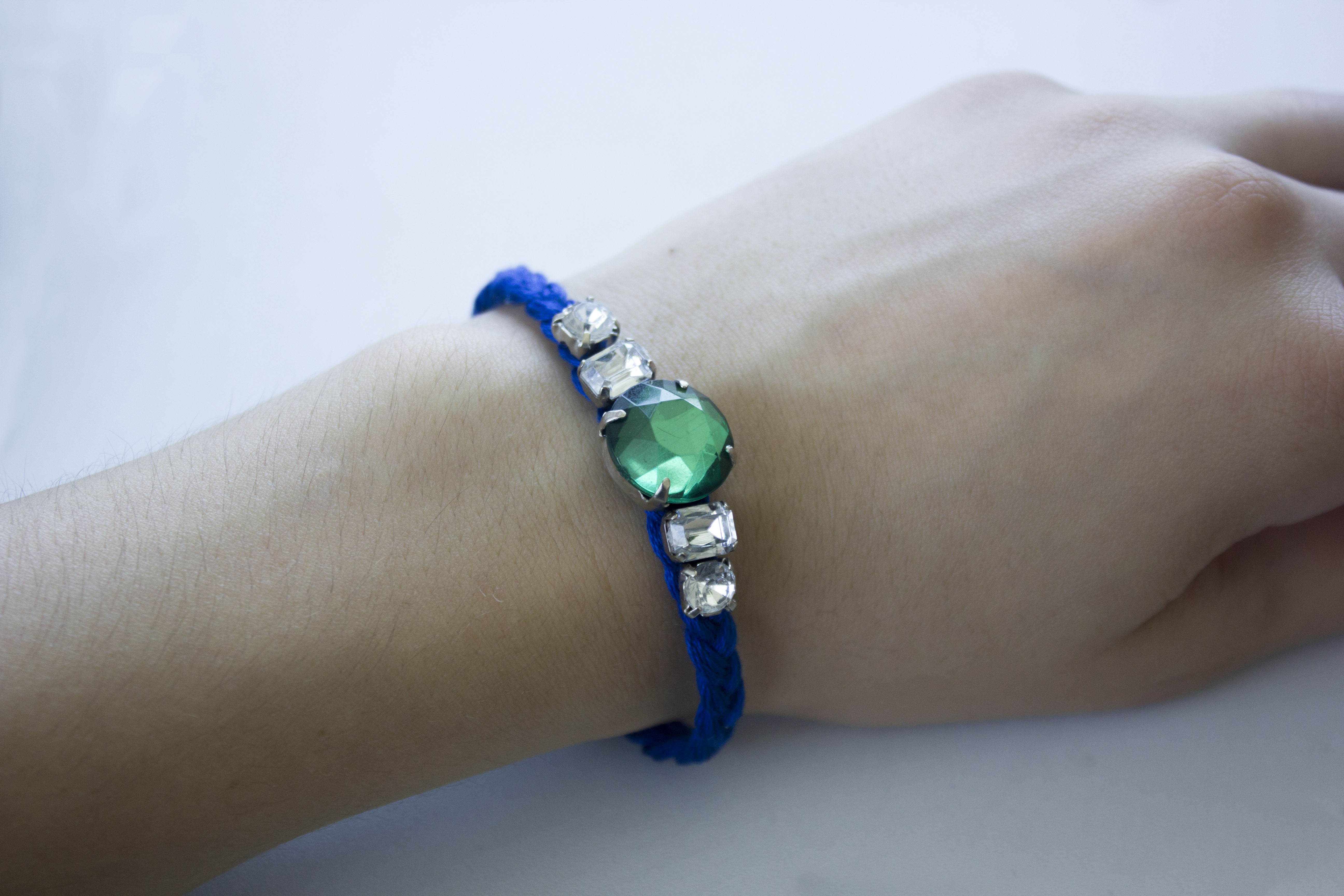 Diy friendship bracelet with name