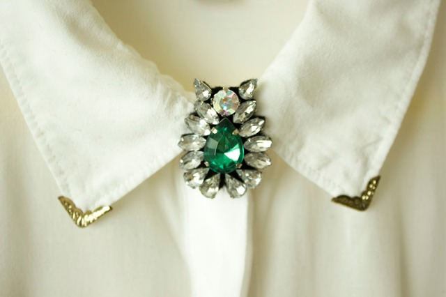 DIY| Rhinestone Collar Pins