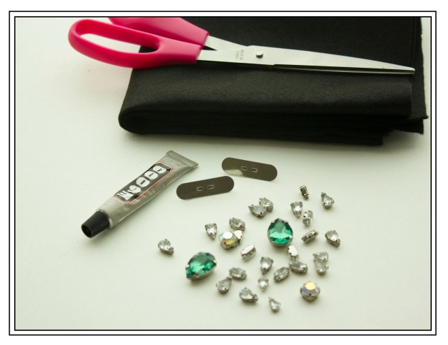 DIY| Rhinestone Collar Pins Supplies