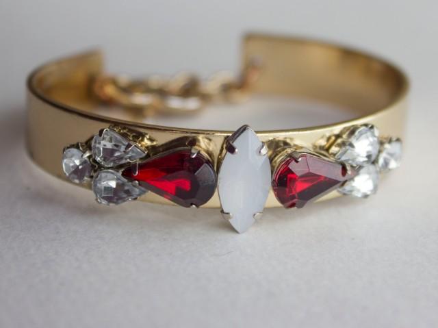 DIY| Rhinestone Embellished Bracelet